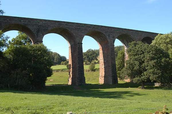 Dry Beck Viaduct. Pic C0054 4-sep-05.