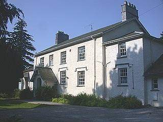 an image of the outside of the old rectory in Grasmere where two of William Wordsworth's children died