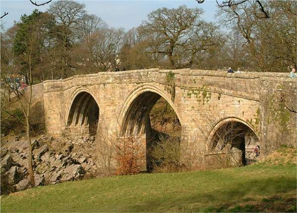 image of devil's bridge in kirkby lonsdale