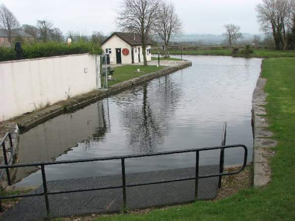 Tewitfield lock