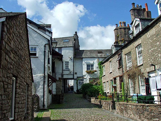 Kendal Cumbria The Lake District Book Accommodation