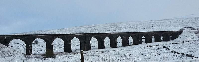 dandry-mire-viaduct-snow