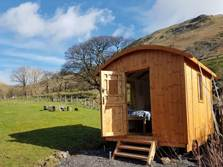 image of stybeck farm shepherds hut in the lake district