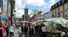 image of keswick market square, the most popular of the northern lake district towns, acting as an image link to the keswick town information page