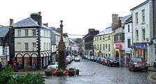 image of shops and houses in ulverston linking to the ulverston town information page