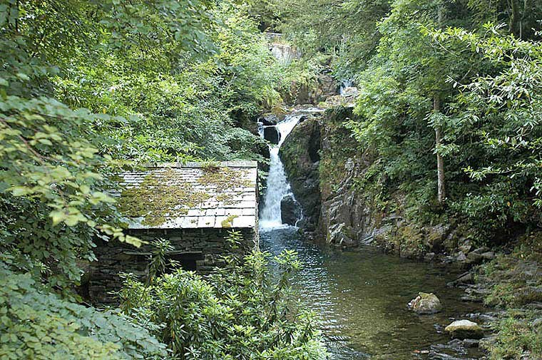 image of the viewing house and lower fall at Rydal Hall