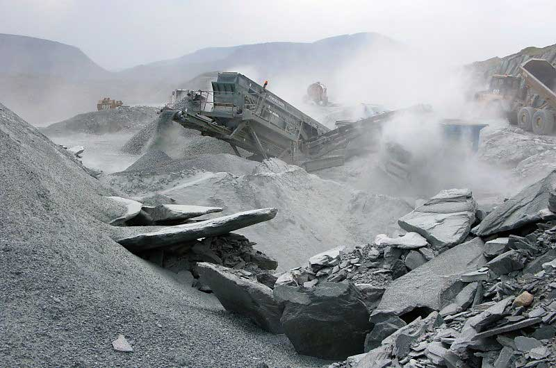 image of machinery working at honister slate mine