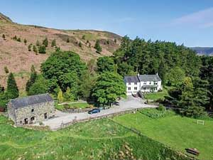 image of an aerial view of Brackenrigg family friendly cottages in the Lake District