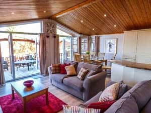 image of windermere self catering holiday apartment with hot tub